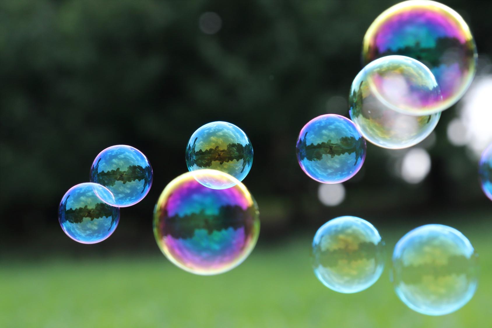 Seifenblasen als Symbolbild für Führungskräfte in der Jugendhilfe